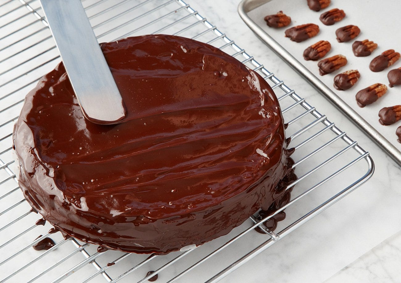 CHOCOLATE PECAN TORTE WITH CHOCOLATE GLAZE