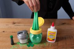 """St. Patrick's Day """"Lucky"""" Slime in a Mason Jar"""