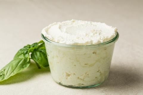 How to Make Homemade Ricotta Cheese (5 Simple Steps) recipe.