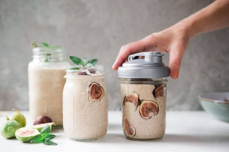 Fall Fig and Cinnamon Smoothie Recipe in a Mason Jar recipe.