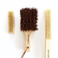 Cleaning Brushes for Gardeners