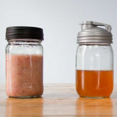 Ginger Strawberry Kombucha Smoothie