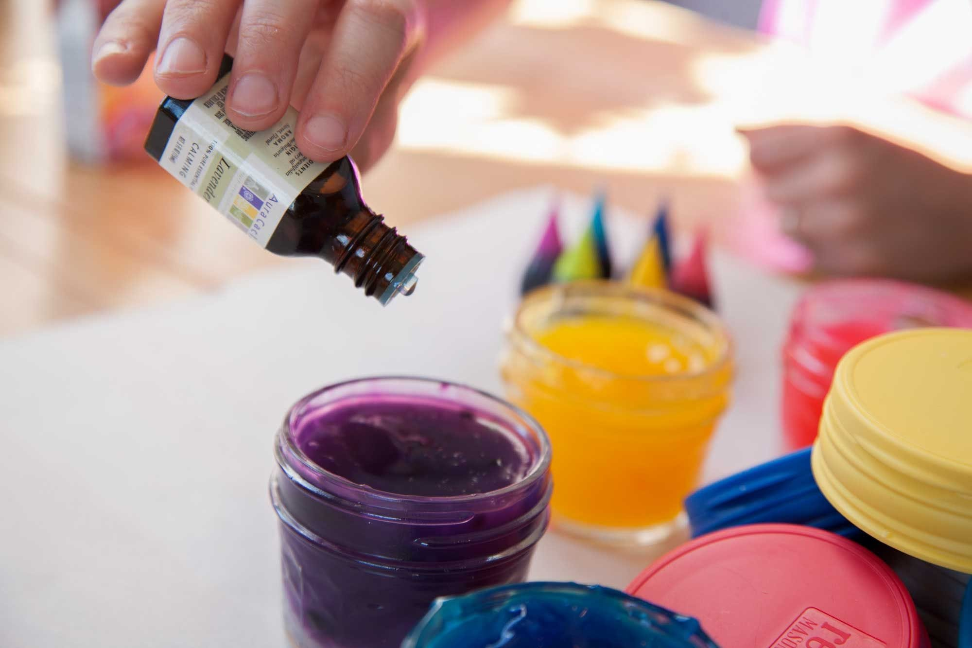 Essential Oil Therapy Gel Paints in Mason Jars how to.